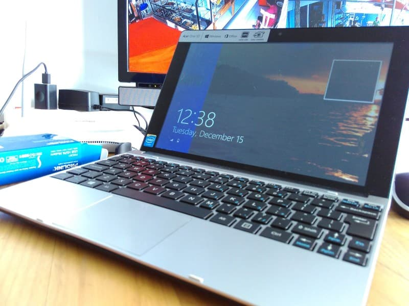 Acer One 10 фото 3